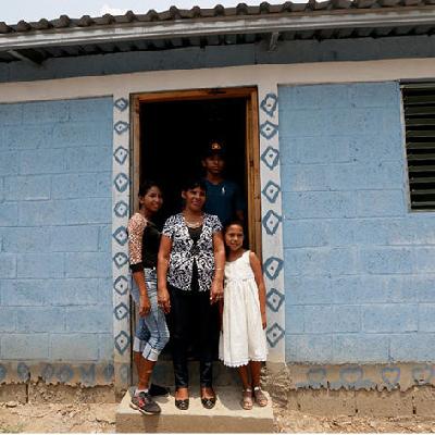 Siguen beneficiando a familias con viviendas gratis